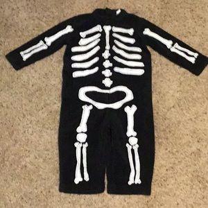 Toddler skeleton costume/pajamas